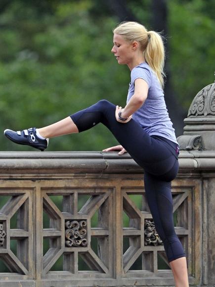 Gwyneth Paltrow hot butt pic