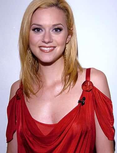 Hilarie Burton hot look (2)