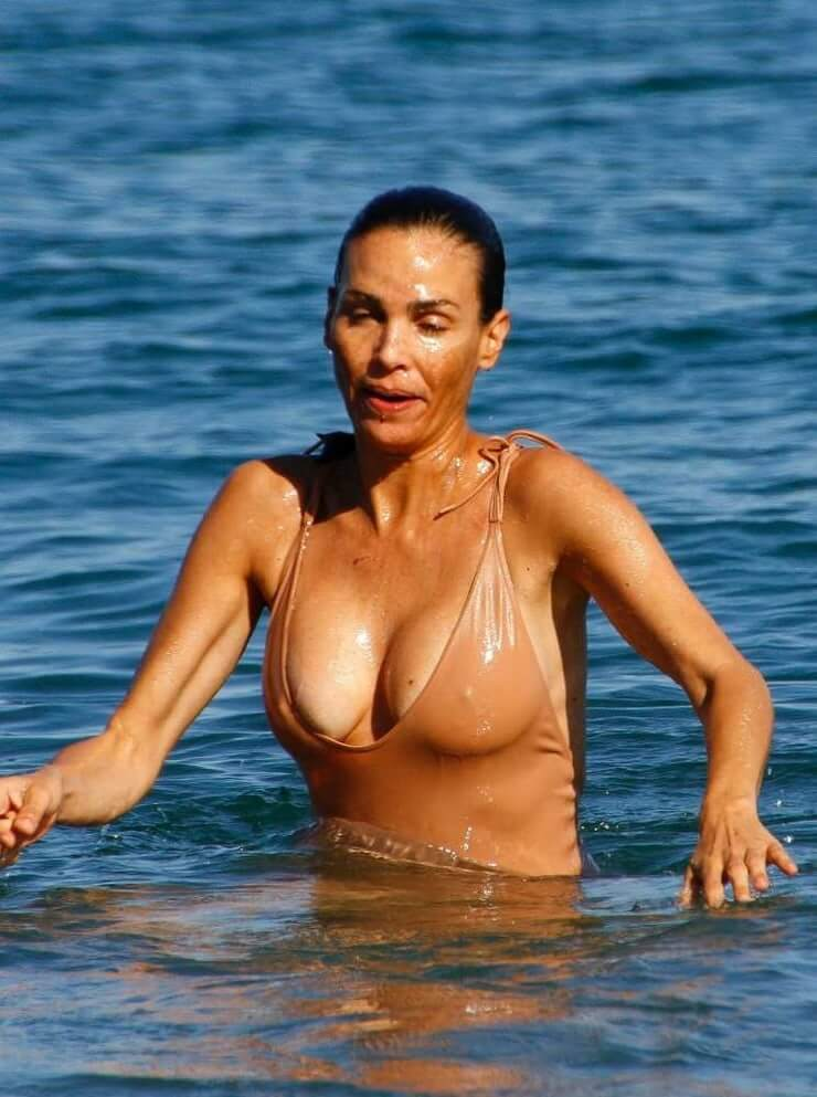 Inés Sastre sexy wet look