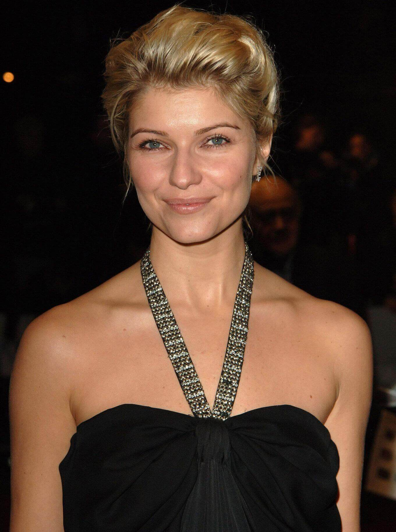 Ivana-Milicevic-sexy-cleavages-pictures