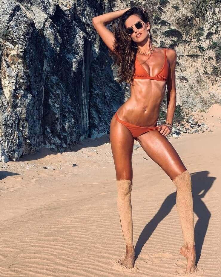 Izabel Goulart red bikini pic