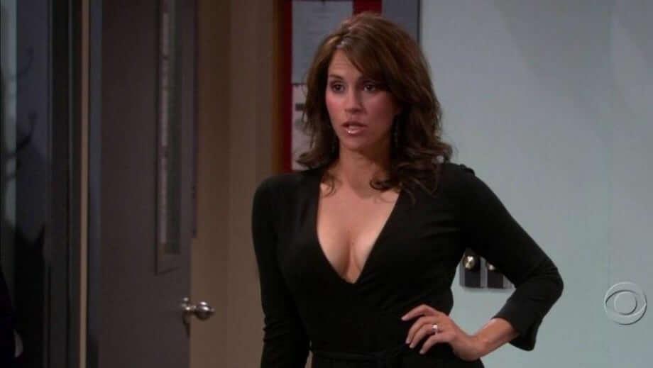 Jami Gertz sexy cleavage