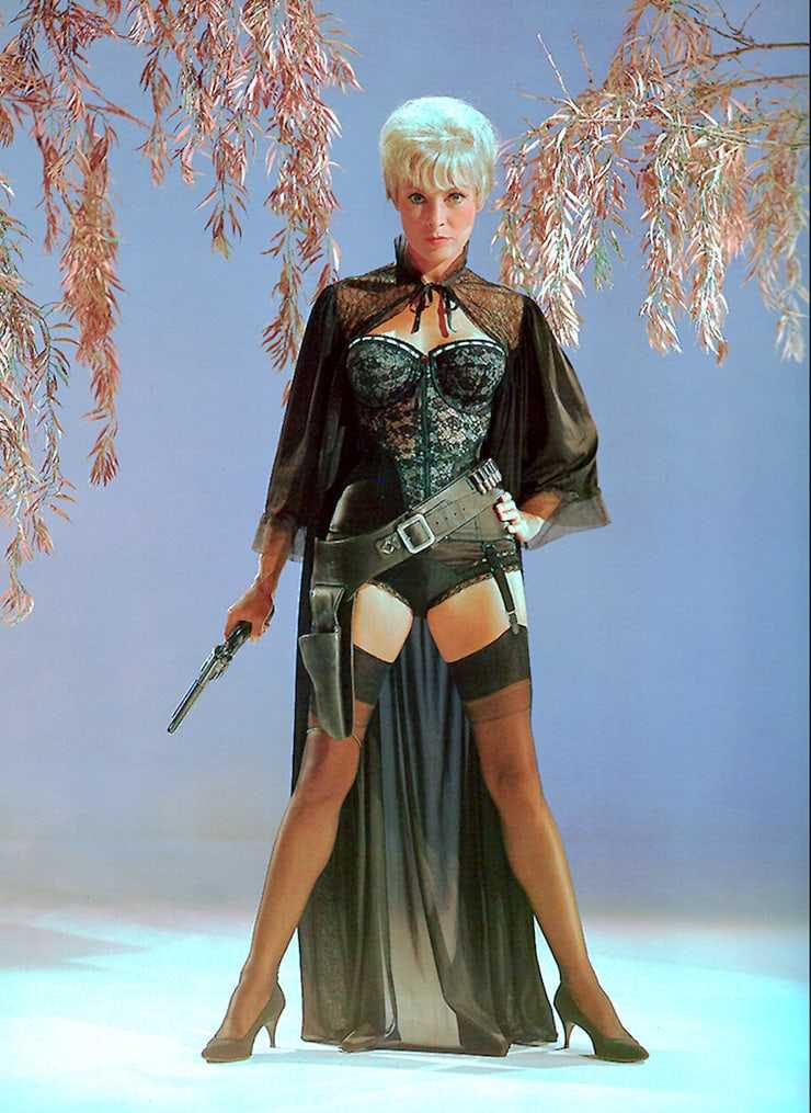 Janet Leigh hot thighs (2)