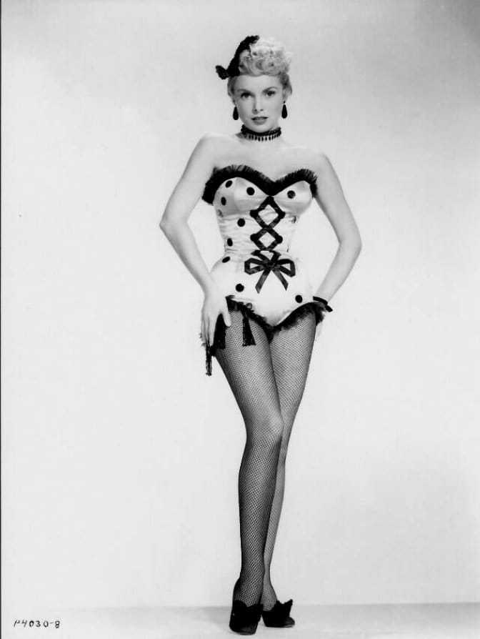 Janet Leigh legs sexy