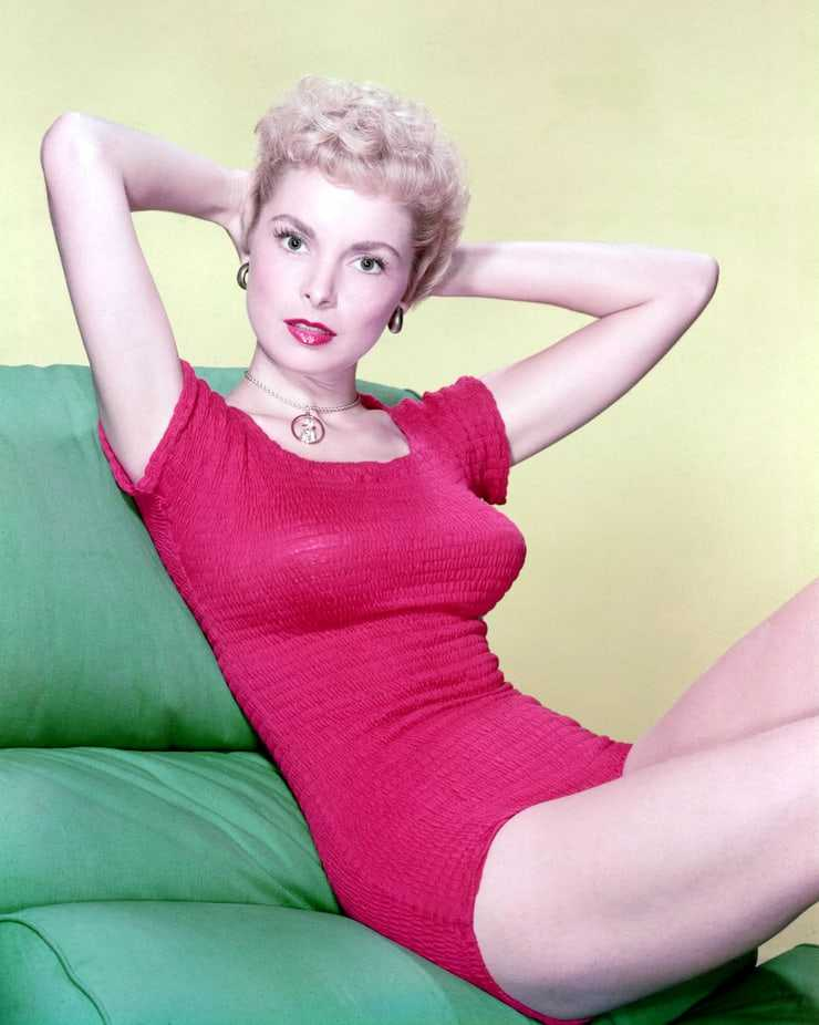 Janet Leigh thighs photos