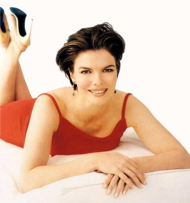 Jeanne Tripplehorn hot look