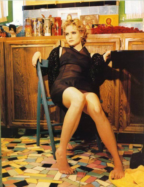 Jennifer Jason Leigh hot feet