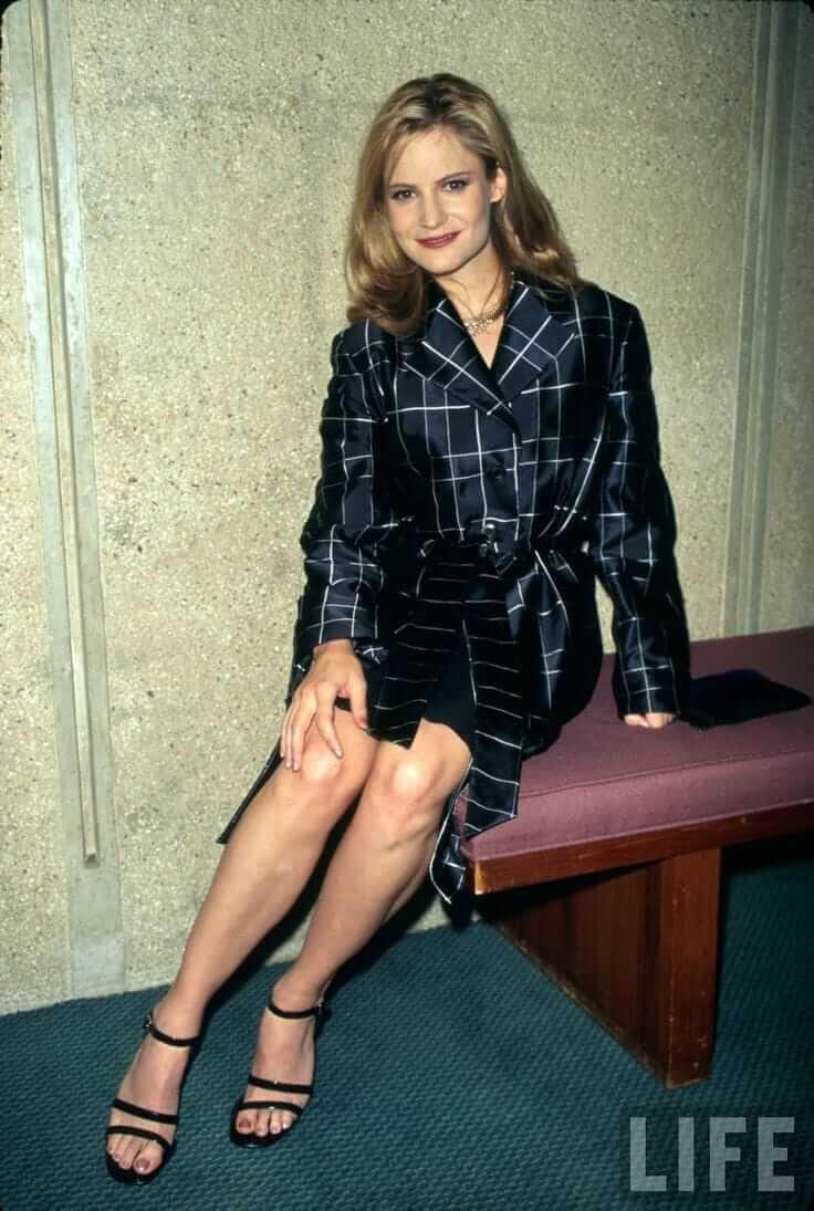 Jennifer Jason Leigh hot fet