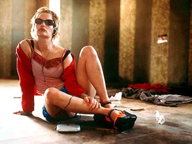 Jennifer Jason Leigh hot look