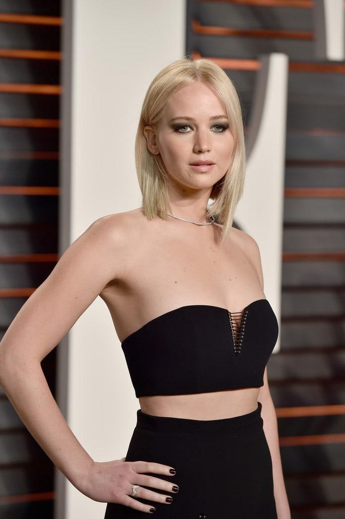 Jennifer Lawrence sexy photo
