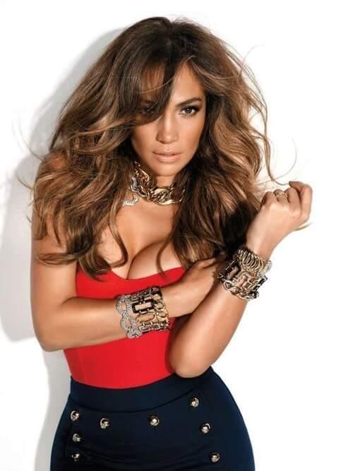 Jennifer Lopez sexy busty pics