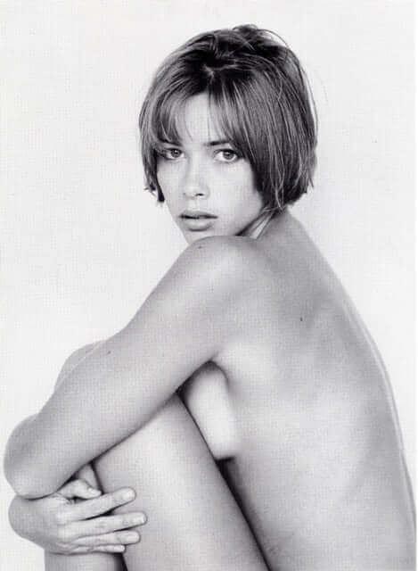 Jennifer Sky sexy side boobs