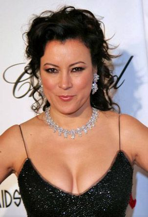 Jennifer Tilly hot cleavage pic