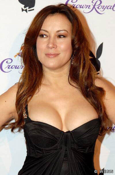 Jennifer Tilly hot cleavage pictures (2)