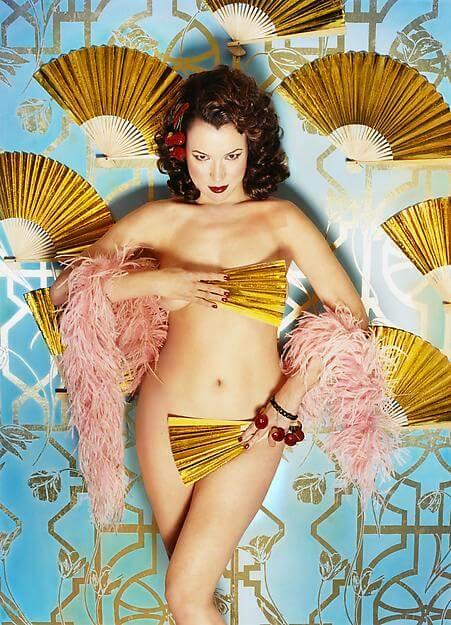 Jennifer Tilly near-nude pic