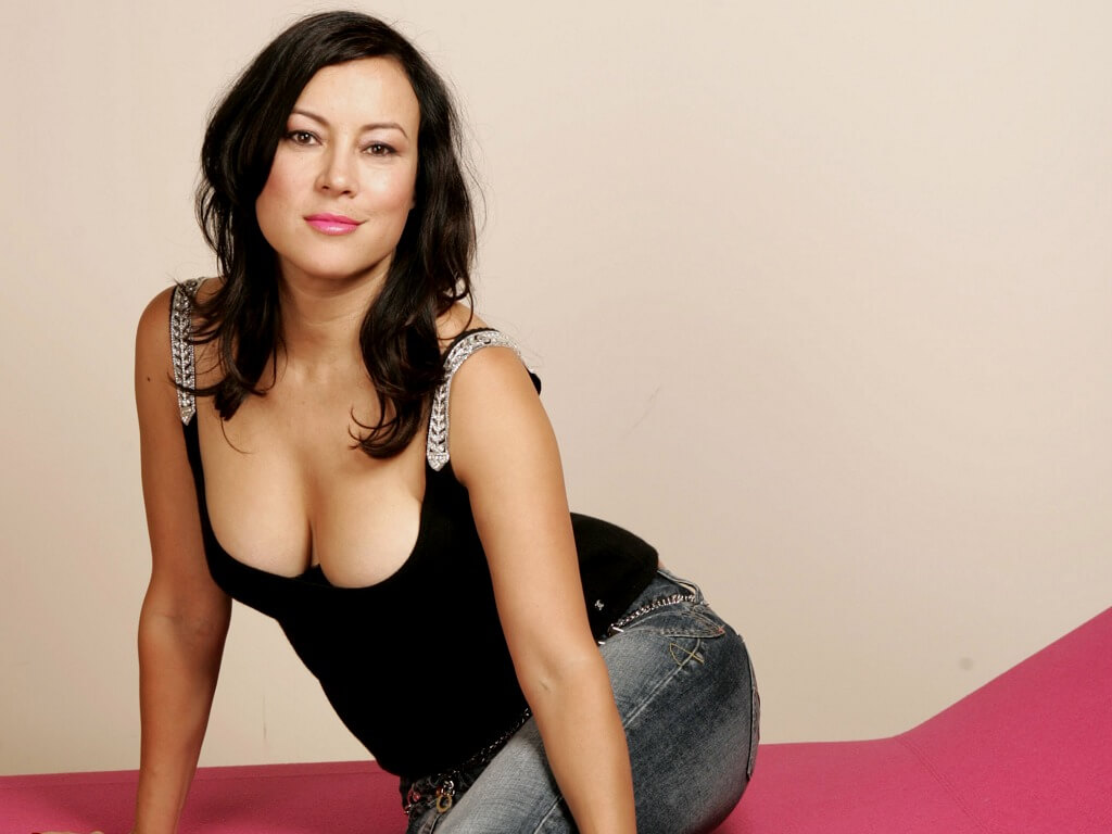 Jennifer Tilly sexy cleavage