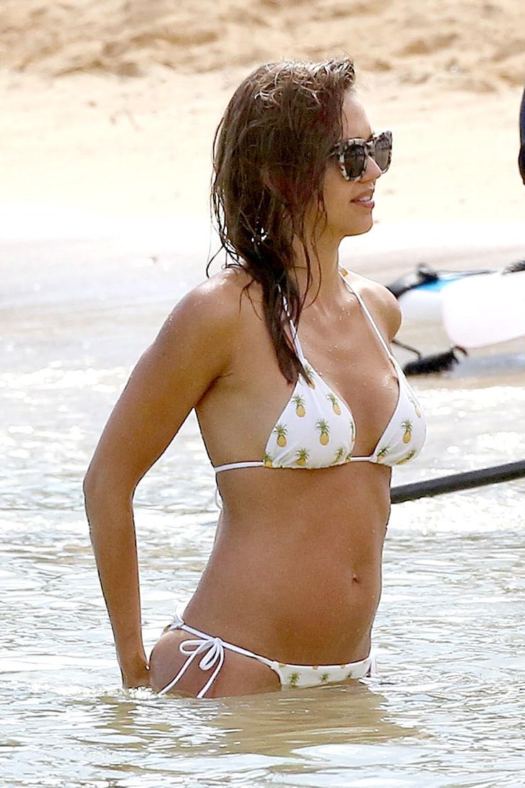 Jessica Alba sexy bikini (2)