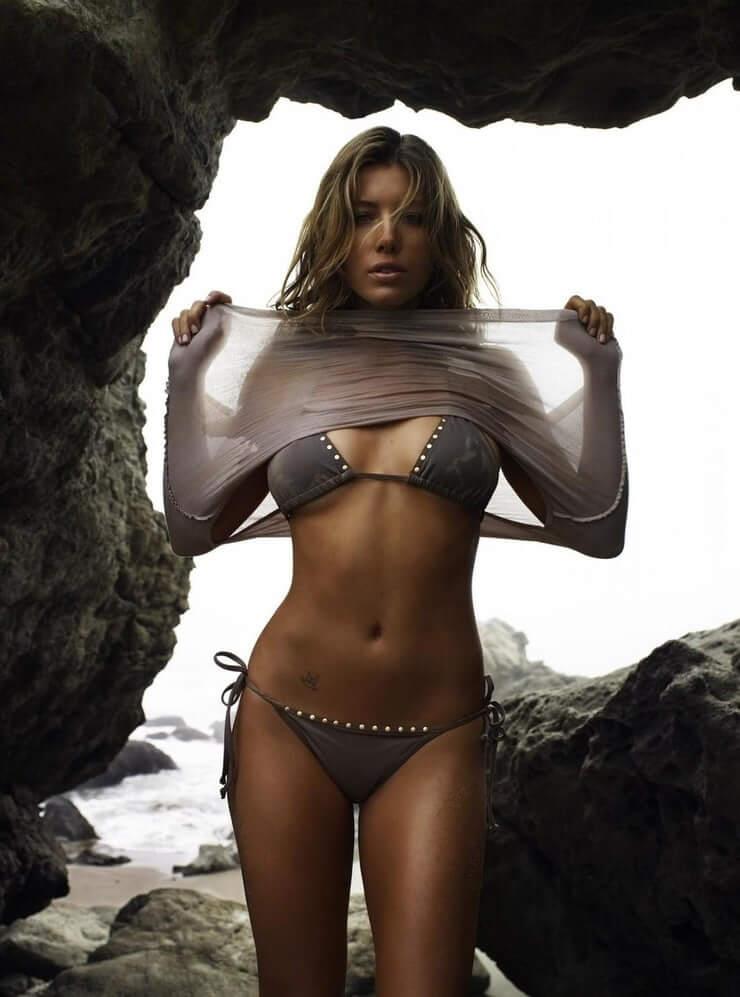 Jessica Biel bikini pic