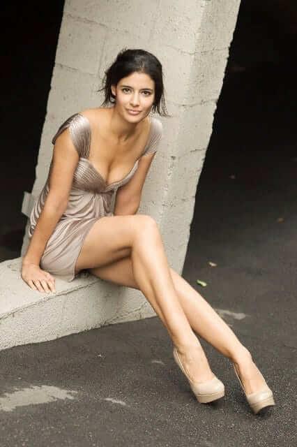 Jessica Clark hot feet pictures