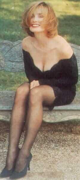 Jessica Lange cleavage