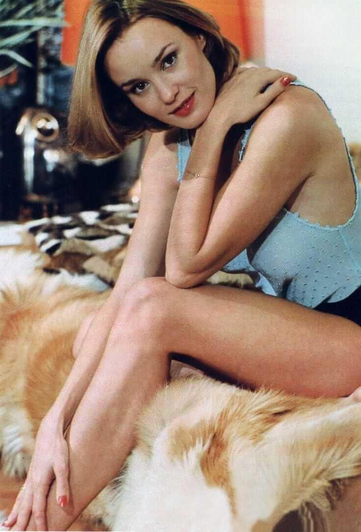Jessica Lange sexy thighs