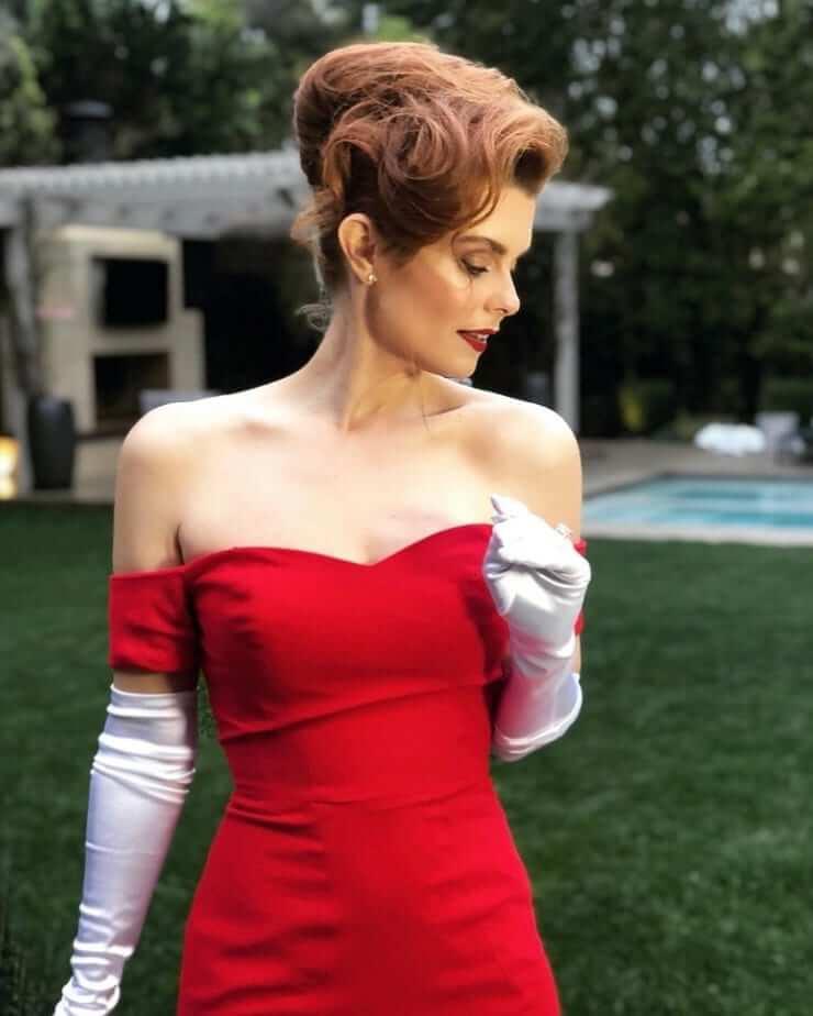 Joanna García red dress
