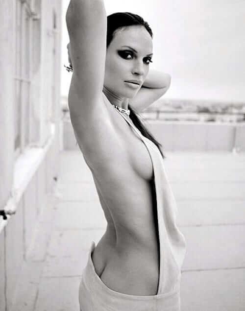 Jolene Blalock hot side boobs pictures