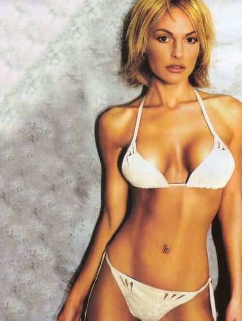Jolene Blalock sexy bikini pic