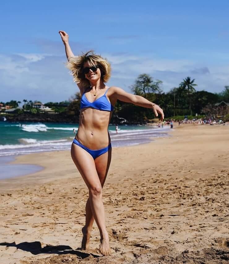 Julianne Hough nude picJulianne Hough nude pic