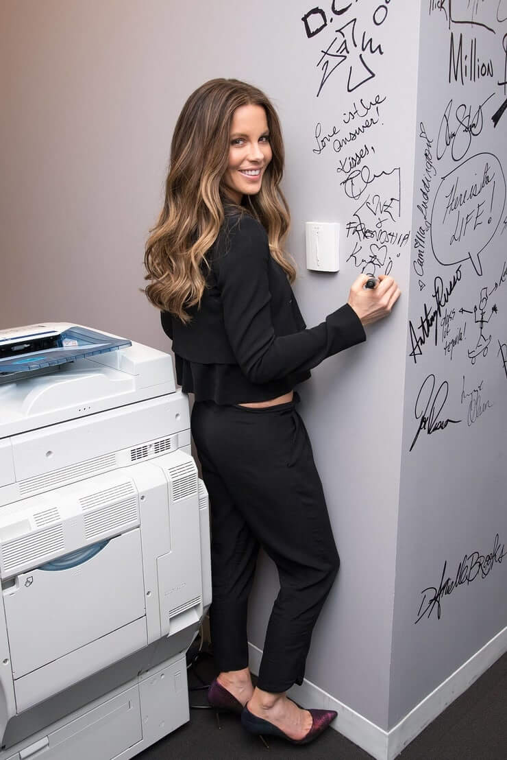 Kate Beckinsale hot pictures