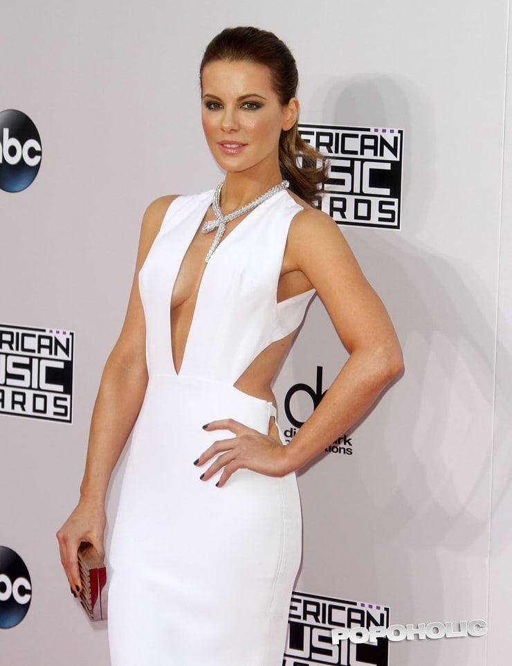 Kate Beckinsale hot side pics
