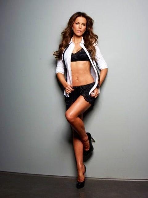 Kate Beckinsale sexy bikini pic