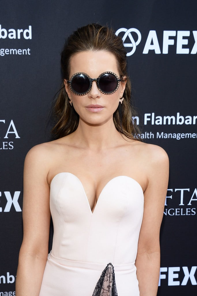 Kate Beckinsale sexy boobs picture