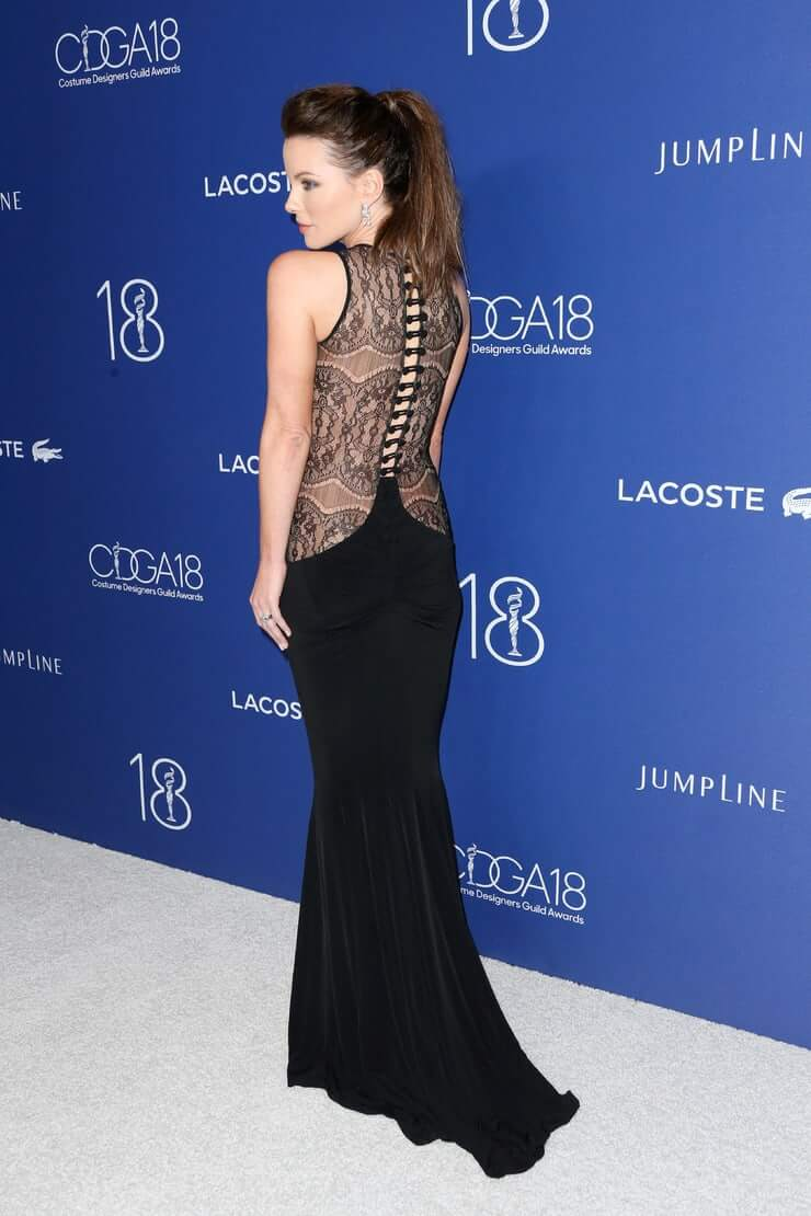 Kate Beckinsale sexy booty pics