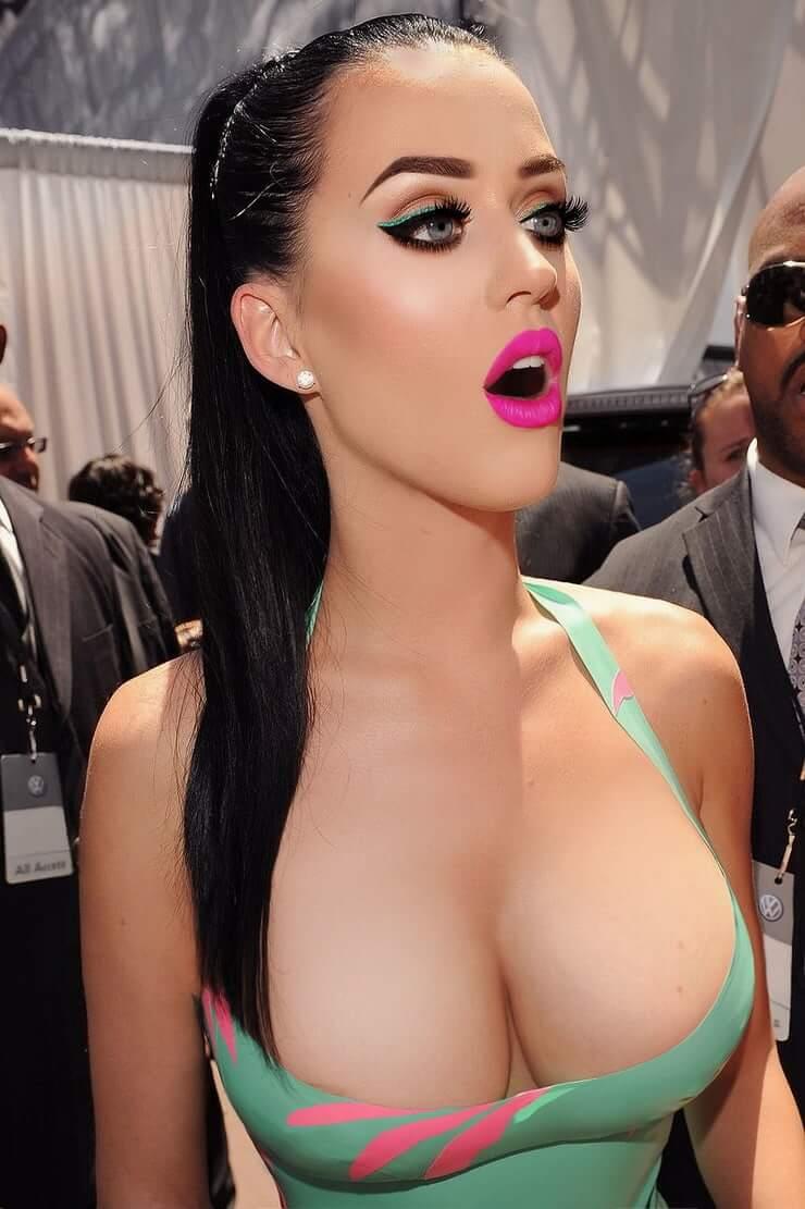 Katy Perry sexy busty pics