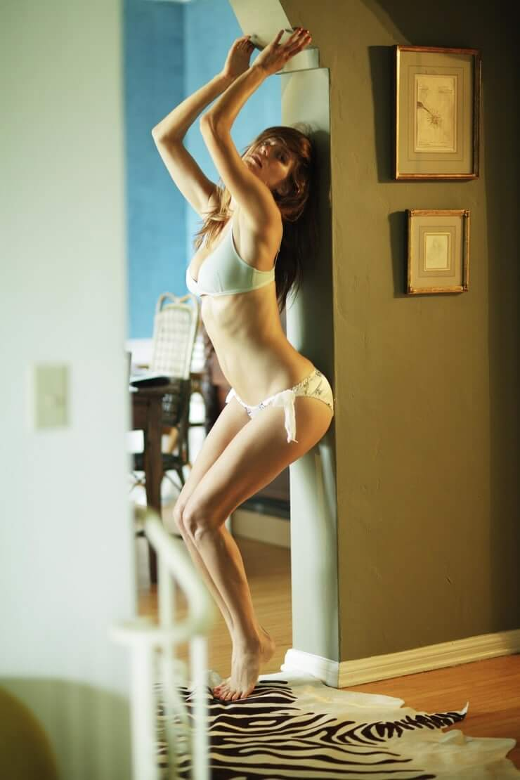 Lake Bell hot pics