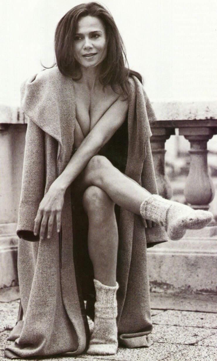 Lena Olin feet pics