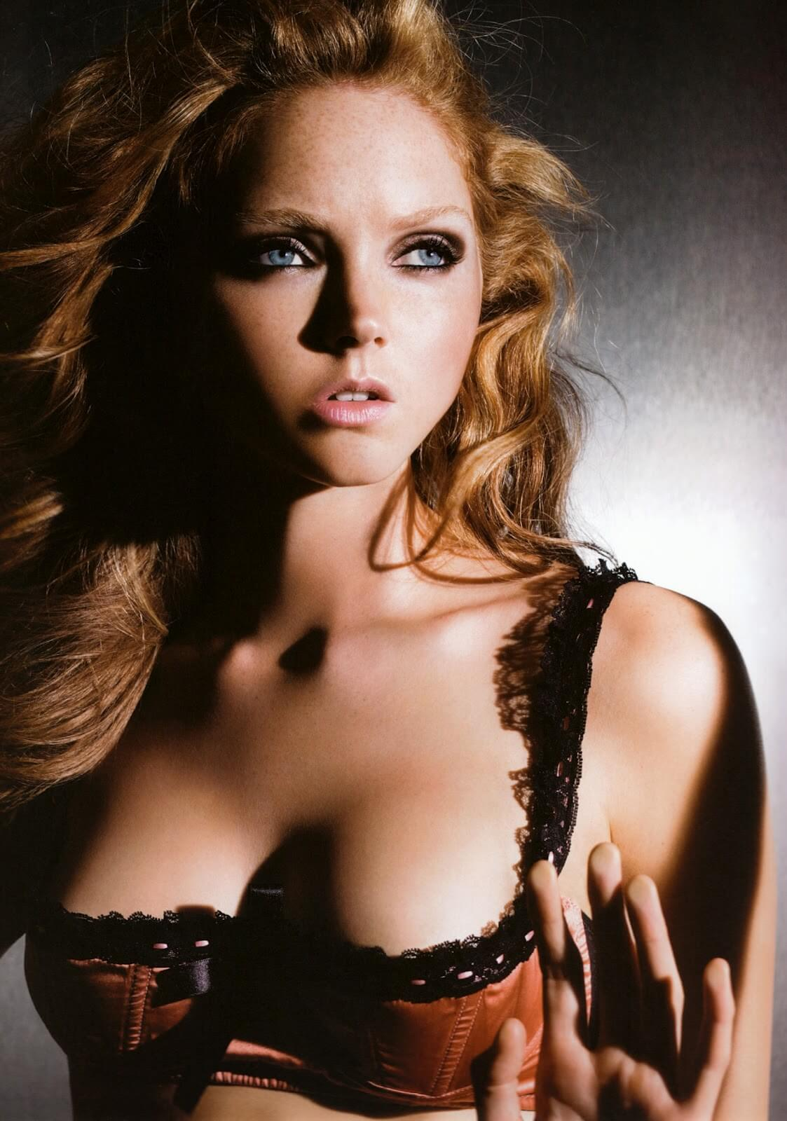 Lily-Cole-cleavage