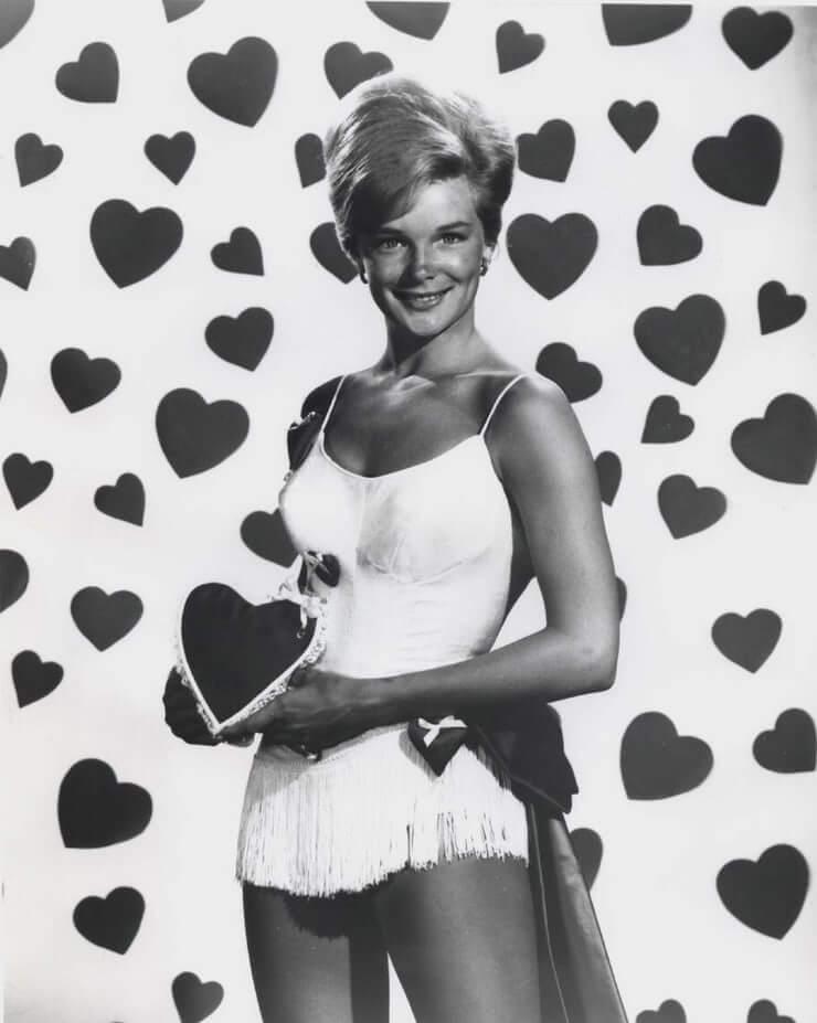 Linda Evans hot pics
