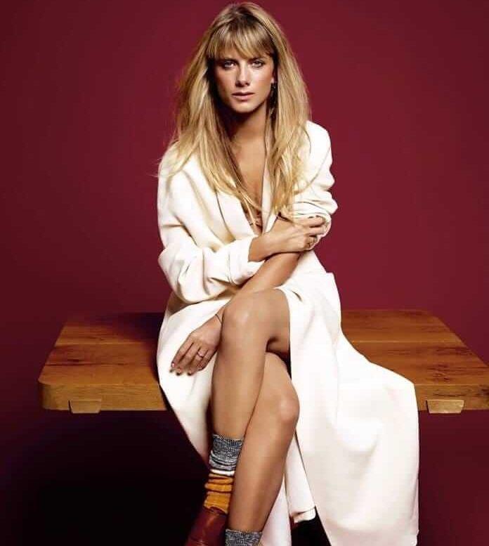 Mélanie Laurent hot feet