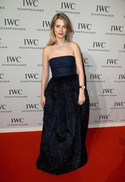 Mélanie Laurent sexy black dress
