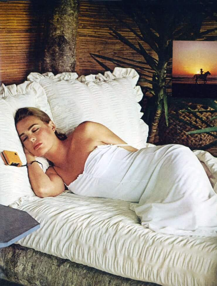 Margaux Hemingway hot photo