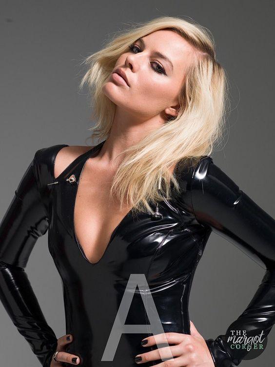 Margot Robbie beautiful pics