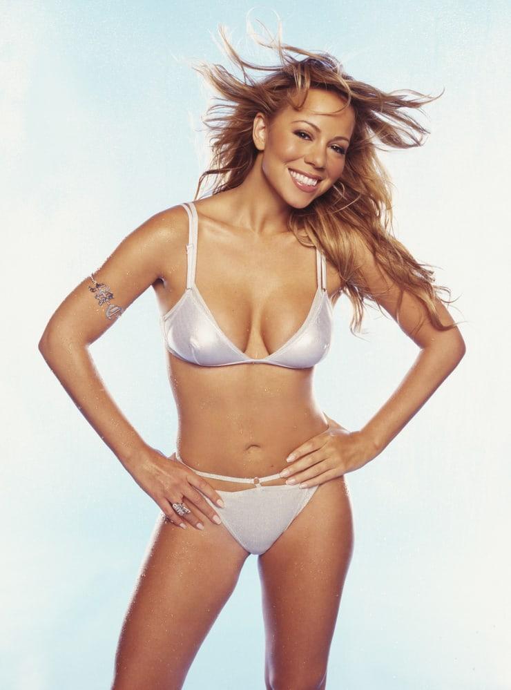 Mariah Carey hot bikini pics