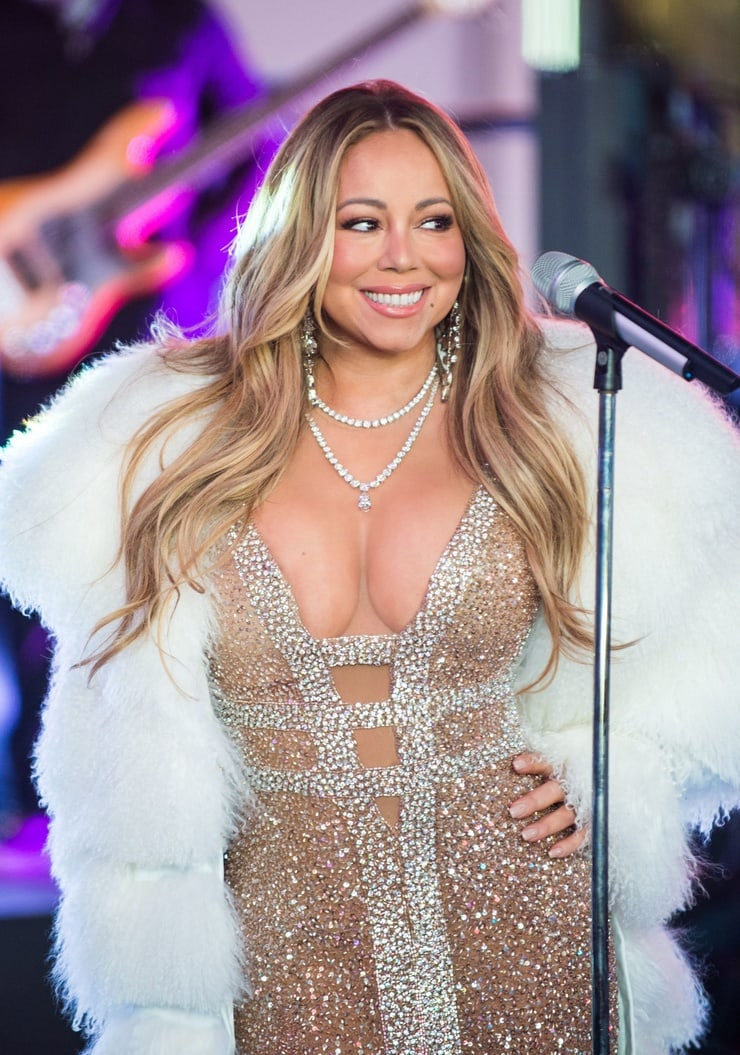 Mariah Carey sexy busty pic