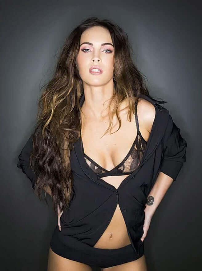 Megan Fox hot cleavage pics