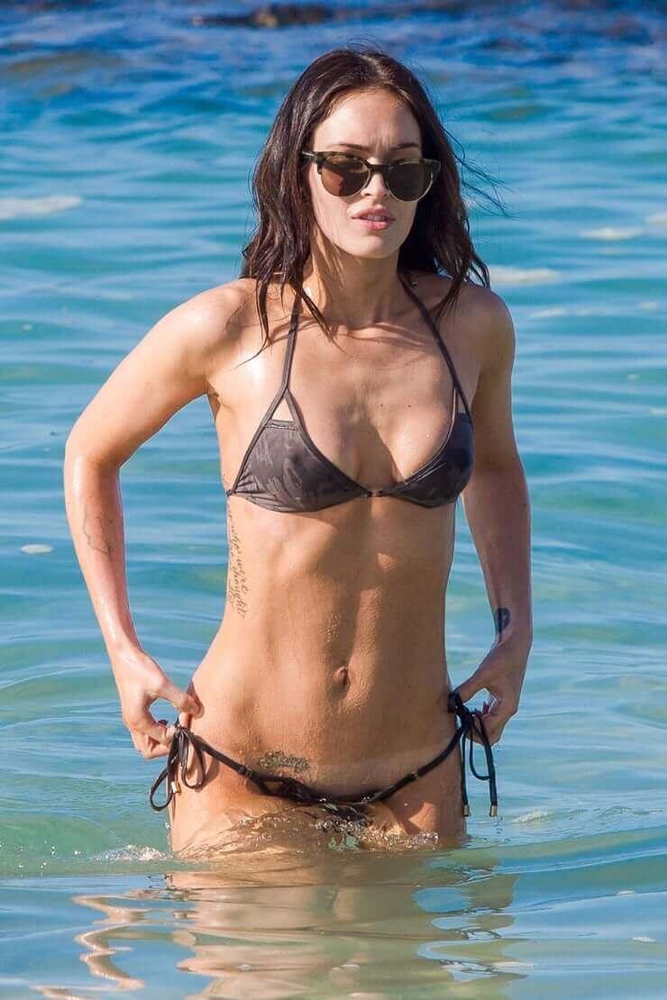 Megan Fox sexy bikini pics