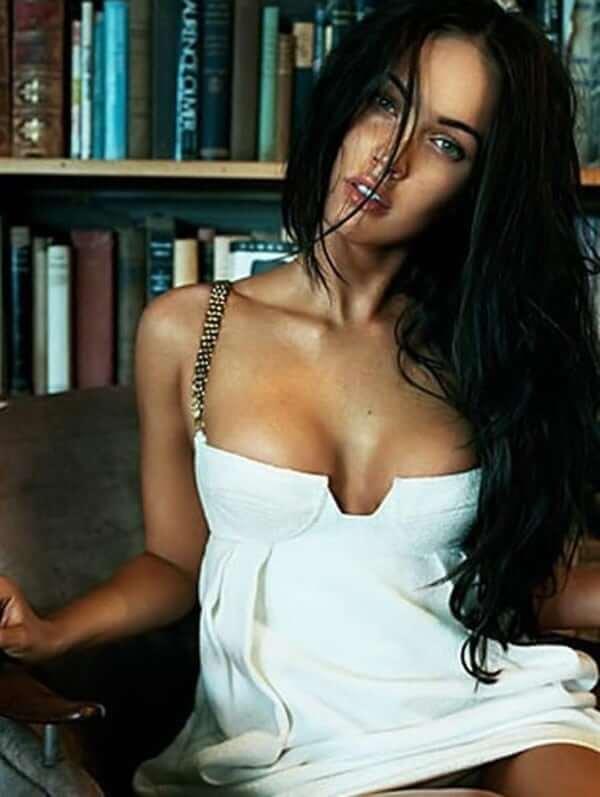 Megan Fox sexy boobs (4)