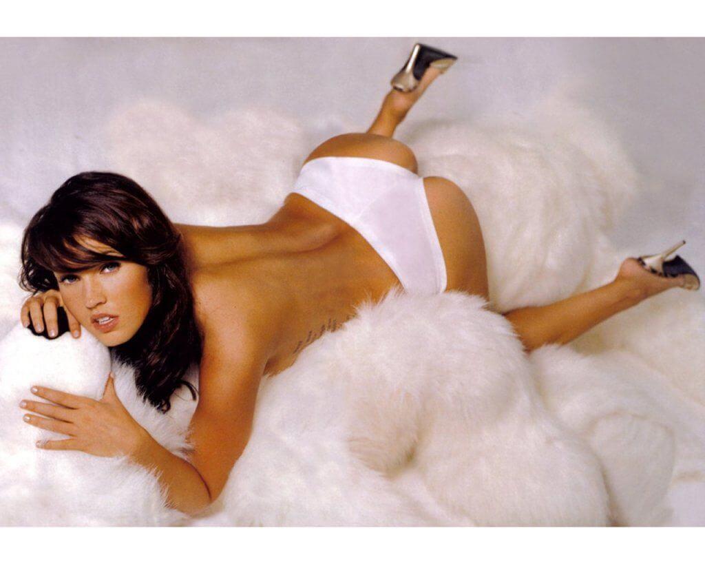 Megan Fox sexy booty