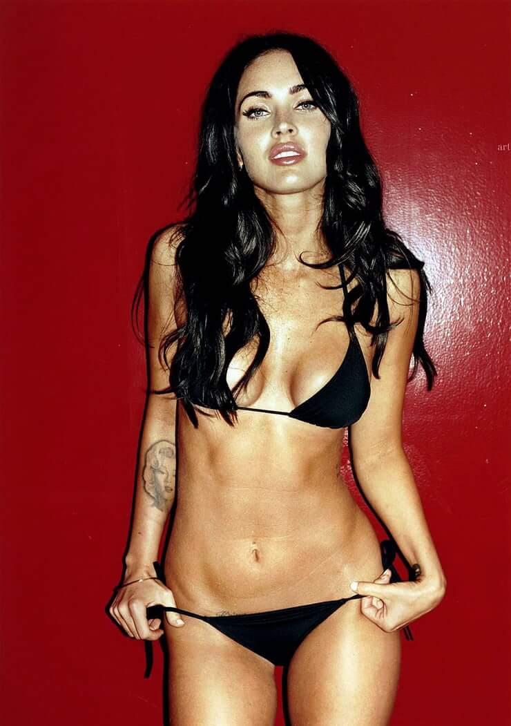 Megan Fox sexy lingerie pics